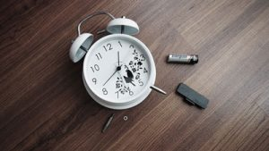 an alarm clock without batteries
