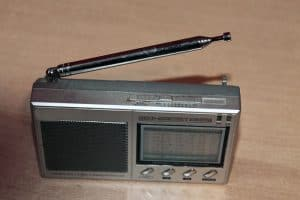 Picture of an old school transistor radio
